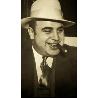 al capone scarface essay Alphonse capone aka al, scarface born in brooklyn, new york, in 1899, of an immigrant family he lived with his father gabriele and mother teresa and his brothers.